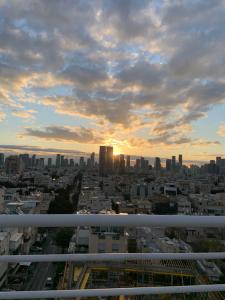 Sisense Bootcamp in Israel by Ellen Noone